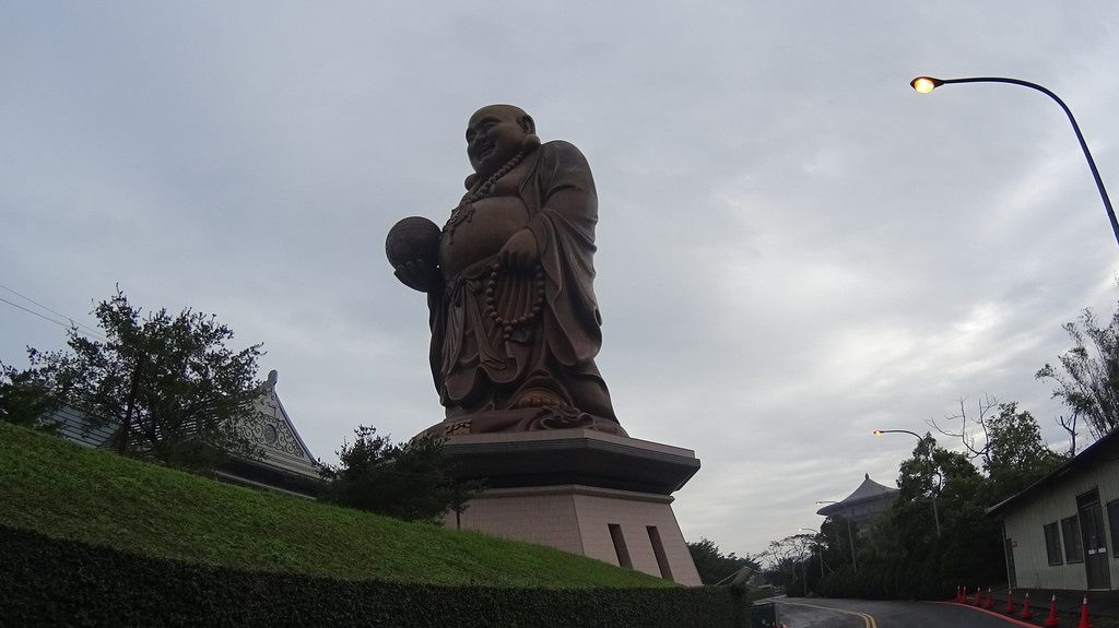 [ Giant Buddha Holding Earth! ] HsinChu South East Back Road Ride Part 1 竹東翻山越嶺騎之一